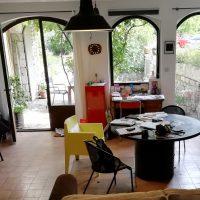 Maison dans la Drôme provençale cherche artistes.